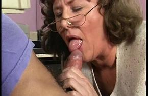 my XXX horny mom