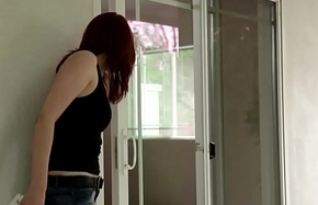 Les MILF fingered and pussylicked by teen