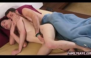 Stepdad bonks sprog &amp_ nephew - gay triad coitus