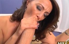 Milf Sucking  juicy Cock (MUST Watch)